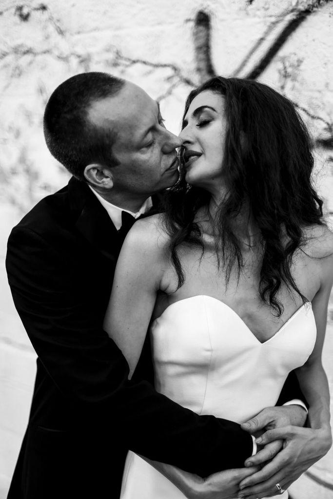 spirit pittsburgh pa wedding bride and groom kissing photo