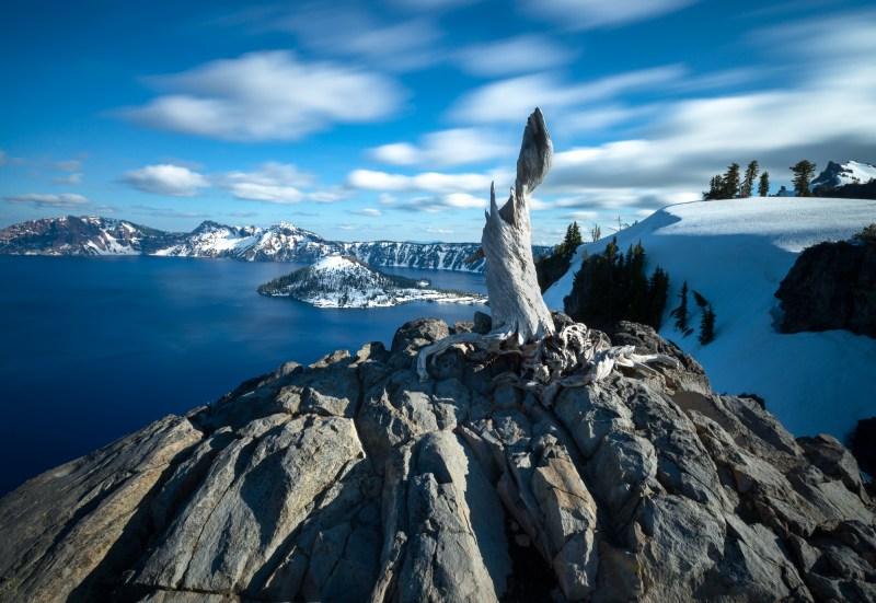 crater lake national park wizard island oregon
