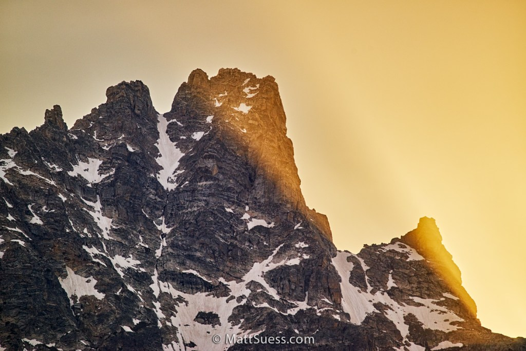 Sun-Rays-at-Teewinot-Mountain-1400px