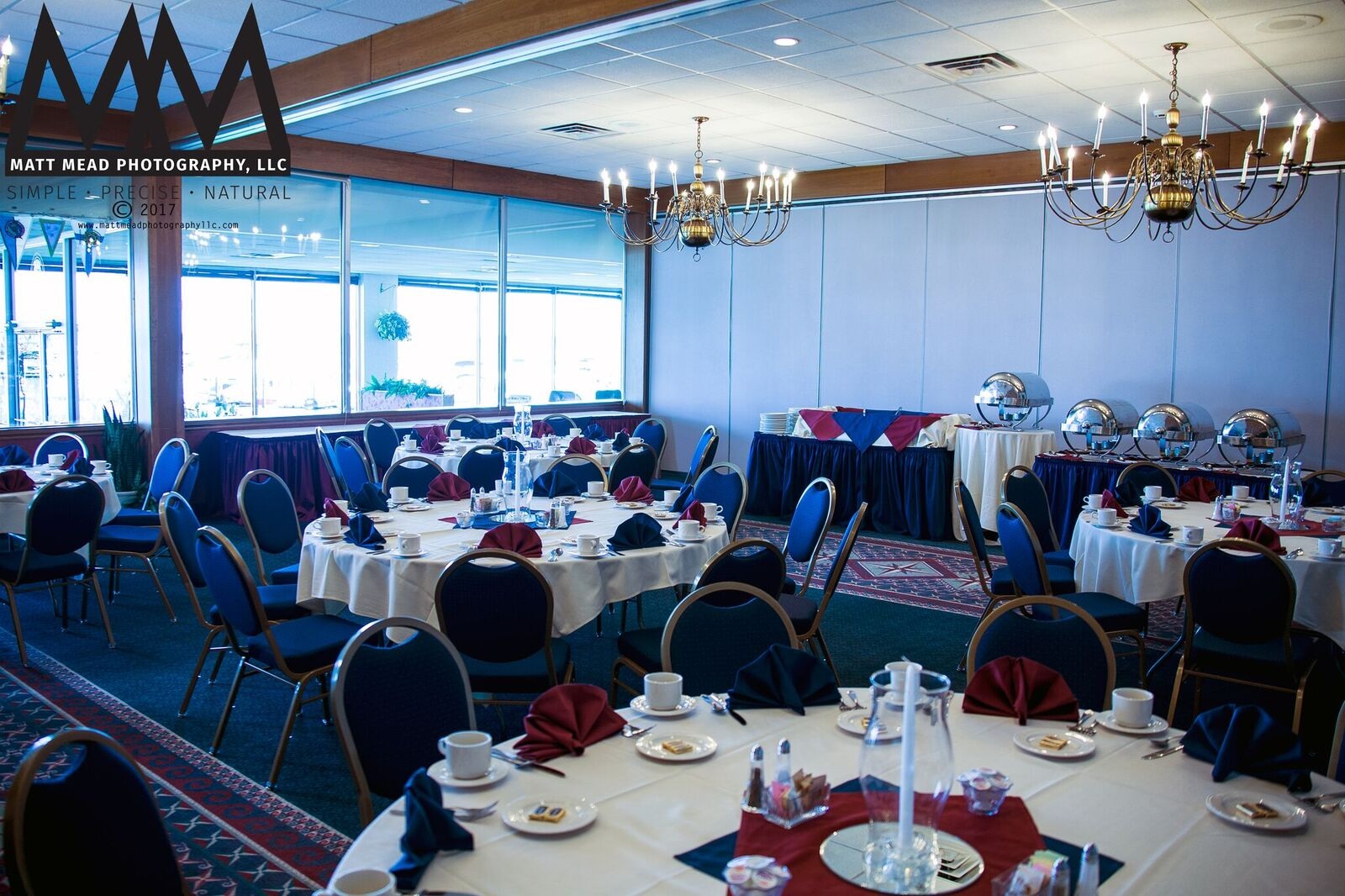 Erie Pa Wedding Venue Yacht Club Tables And Window Photo