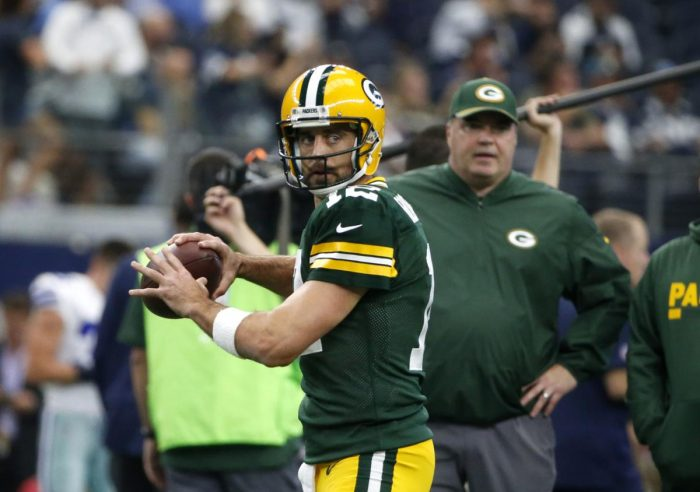 RSP NFL Lens: A Great Breakdown of Aaron Rodgers' Throwing By A Renowned QB Trainer