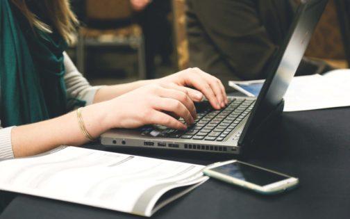 Co w e-mailu piszczy? Rzecz o skutecznej i prawidłowej komunikacji drogą mailową