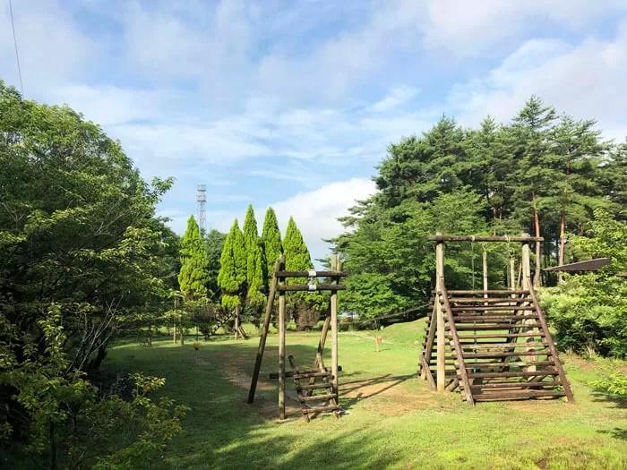 亀島キャンプ場の遊具