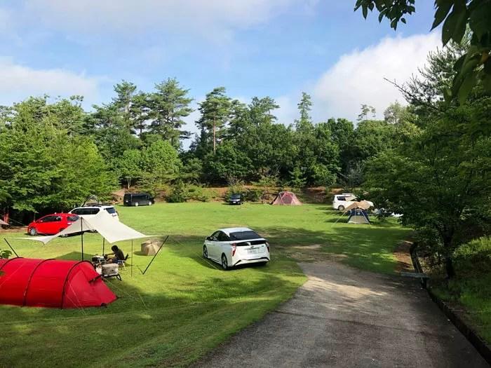 亀島キャンプ場の林間広場サイト3