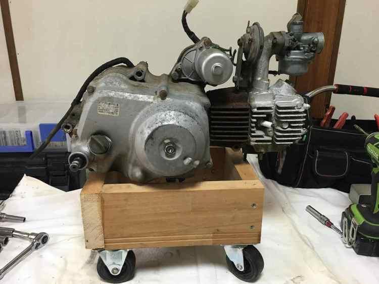 エンジン作業台