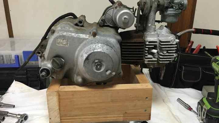 【整備記録】スーパーカブ90 ボアアップ エンジン作業台作成
