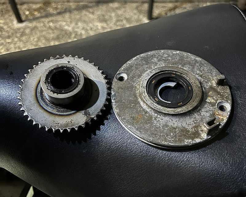 【整備記録】カブ90 オイル漏れ修理 点火系交換 強化クラッチ