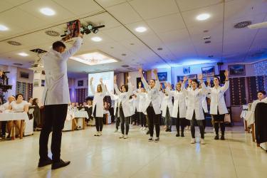 20180303-Maturantski-Ples-Farmacevtska-šola-4b-Galaksija-2717