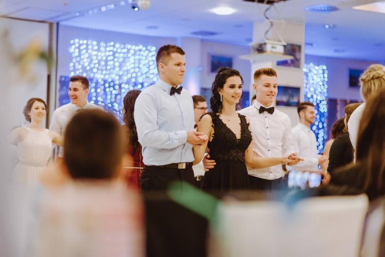 20180303-Maturantski-Ples-Farmacevtska-šola-4b-Galaksija-3998