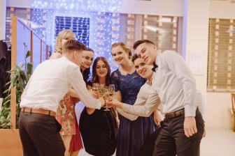 20180303-Maturantski-Ples-Farmacevtska-šola-4b-Galaksija-598
