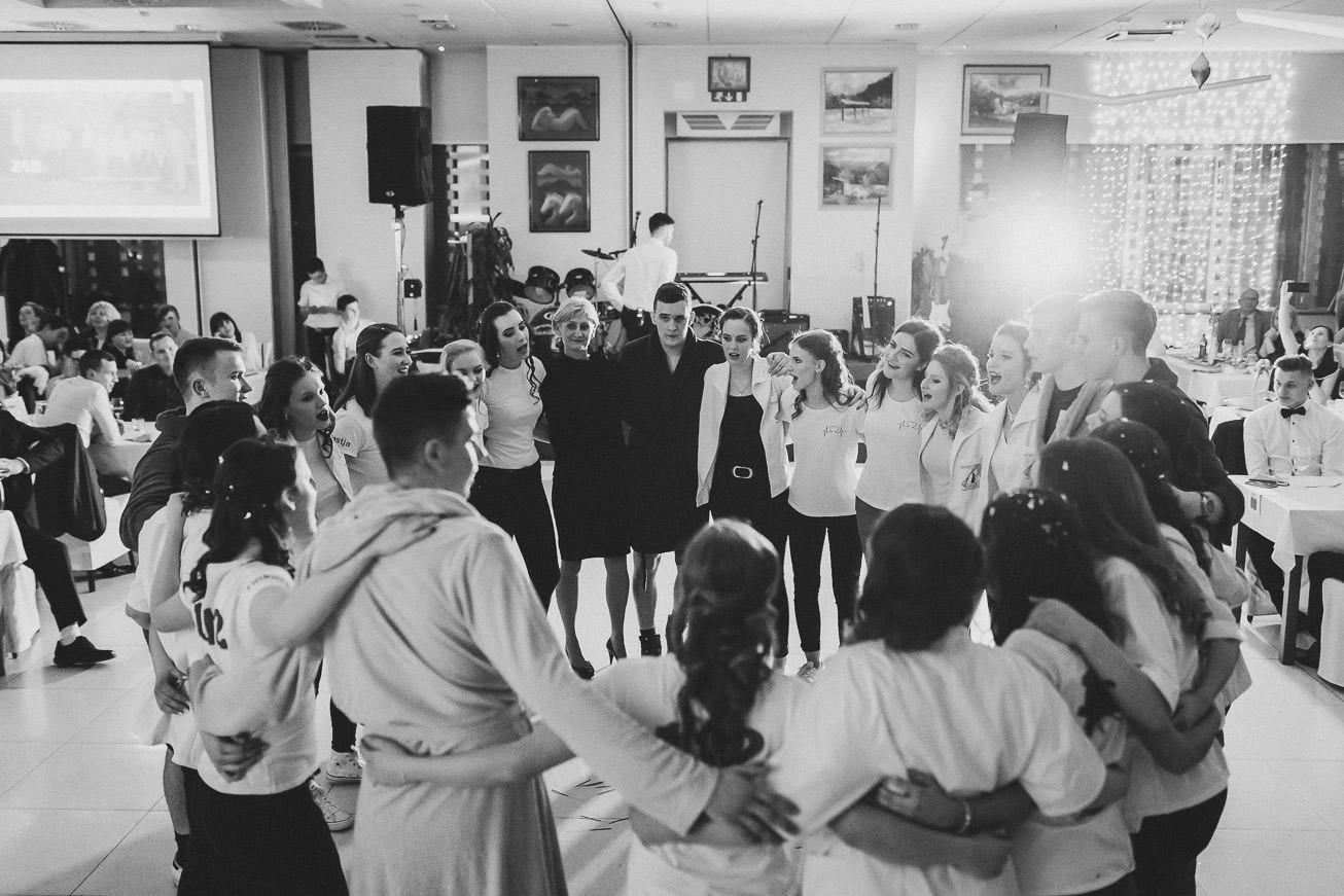 20190207 Maturantski Ples Zdravstvena šola Z4B 1866