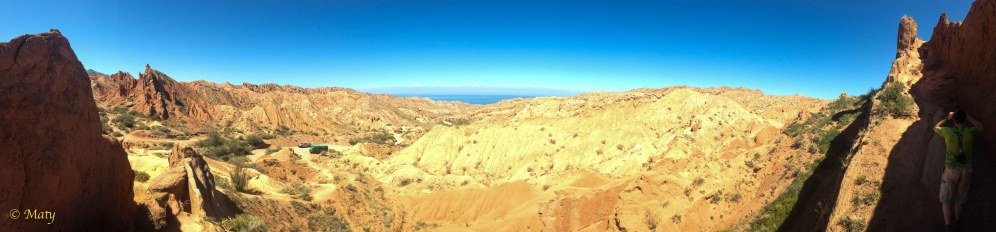 However, the view is worth the little hike - again Lake Issyk Kul in the background