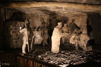 Another set of salt sculptures - Polish Queen Jadwiga receives gift of salt
