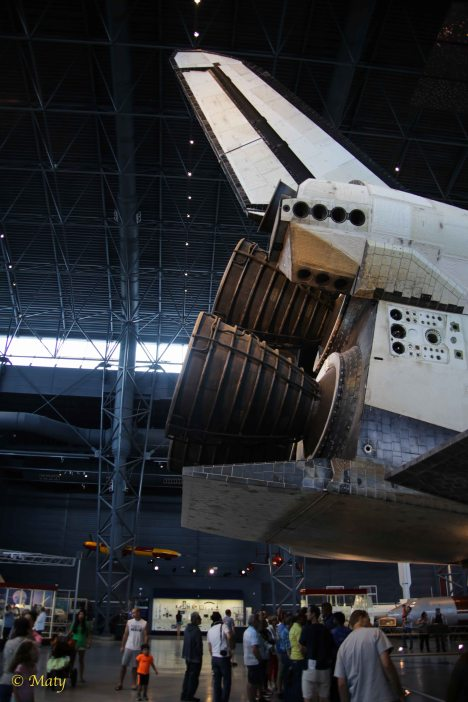 Space Shuttle Discovery from the back