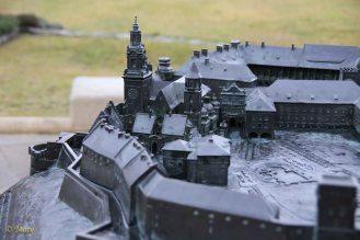 very detailed model of Wavel Castle