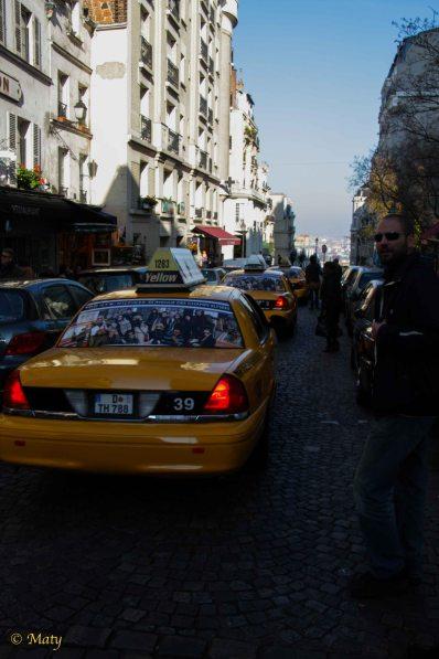 yellow cab in Paris :)