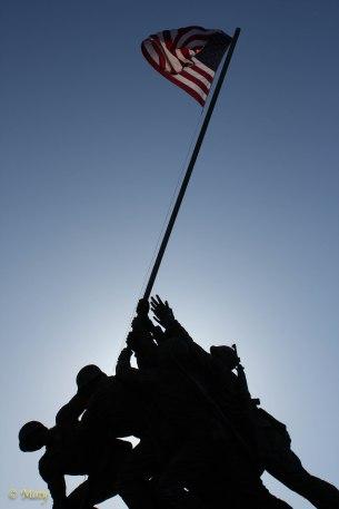 Marine Corps War Memorial - boys are raising the flag