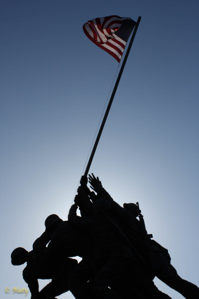 Marine Corps War Memorial - boys are raising the flag