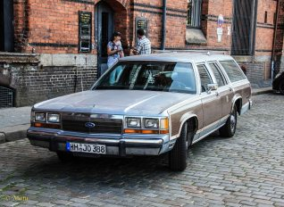1990 Ford LTD Country Squire