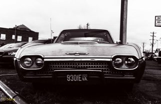 1962 Ford Thunderbird - grille