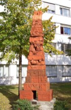 taschen_pyramide