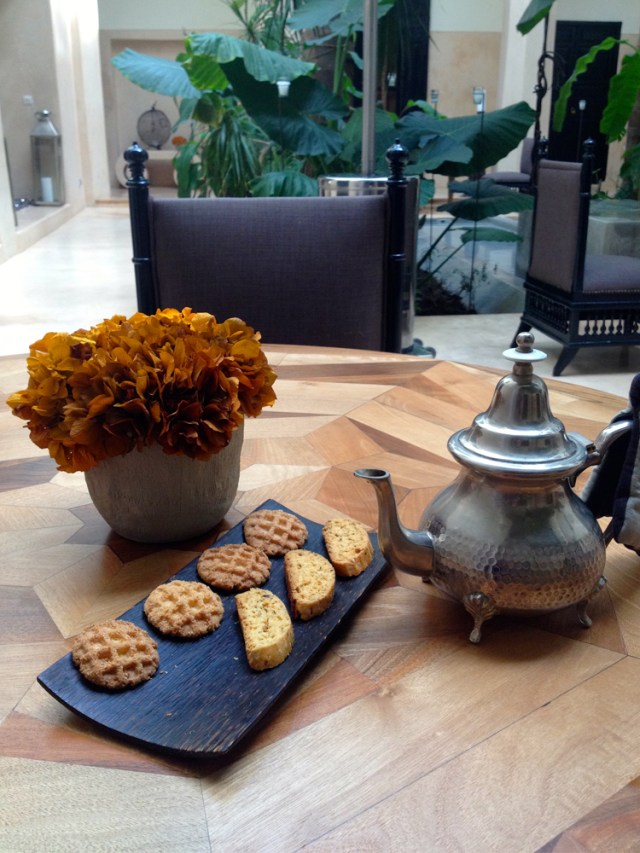 Moroccan-tea-and-pastries-Riad-72-Maud-interiors