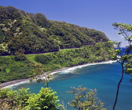 Enjoy epic scenery on your road to Hana tour