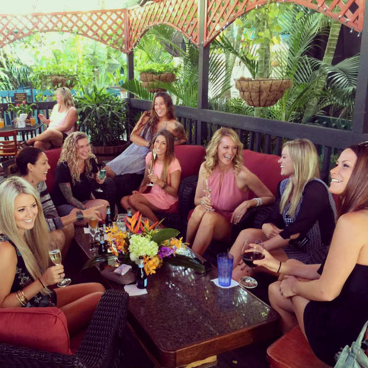 happy hour at what ales you maui kihei hawaii