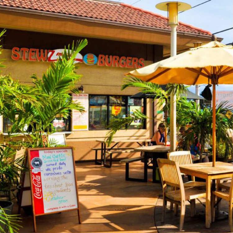 happy hour at stewz maui burgers - maui happy hours
