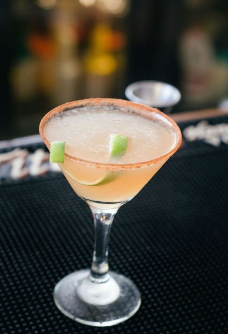 happy hour martini at longhis wailea