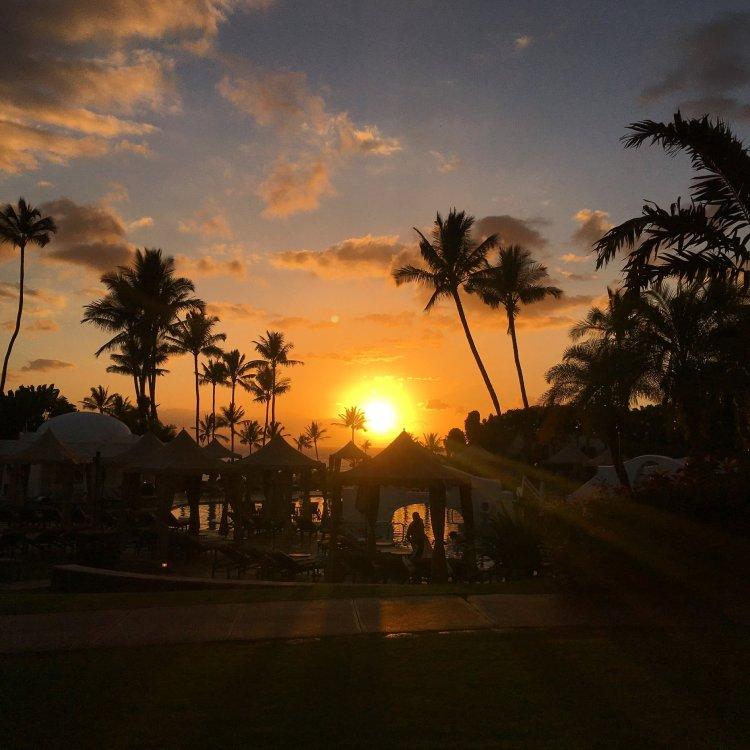 sunset at fairmont kea lani resort maui hawaii - gorgeous amazing sunset