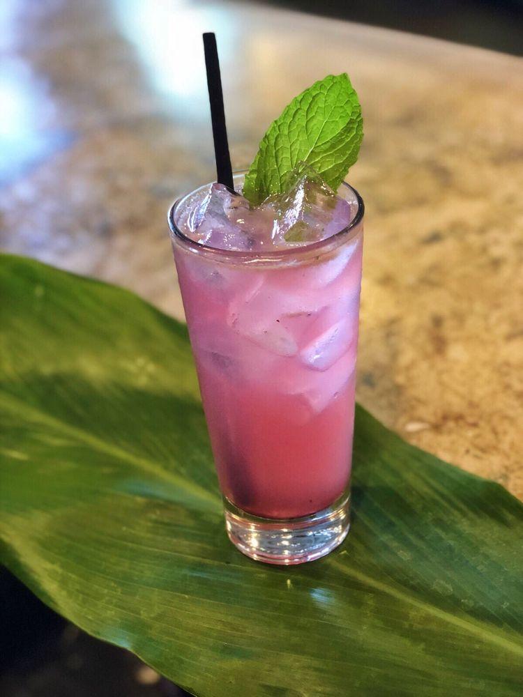 happy hour tropical cocktail wai bar maui hawaii