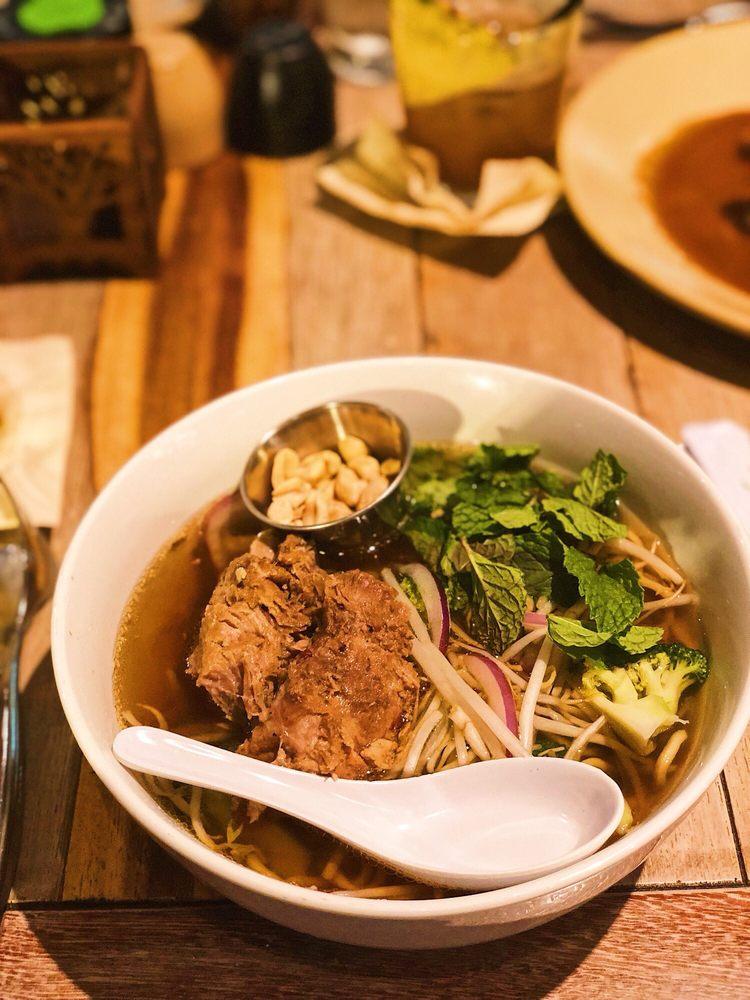 Best Maui Restaurants 2021 - Monkeypod Kitchen by Merriman