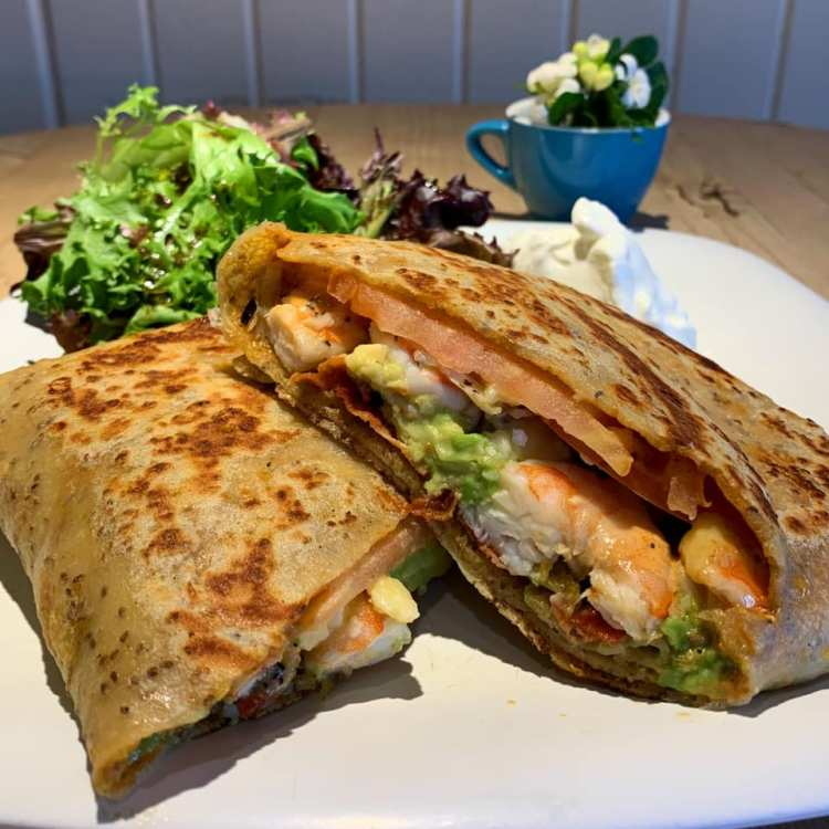 Maui Happy Hours - Shrimp Crepes at Cafe Des Amis