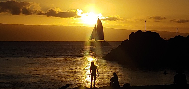 Sunset at Black Rock Kaanapali Beach Maui Hawaii by Russell Snyder