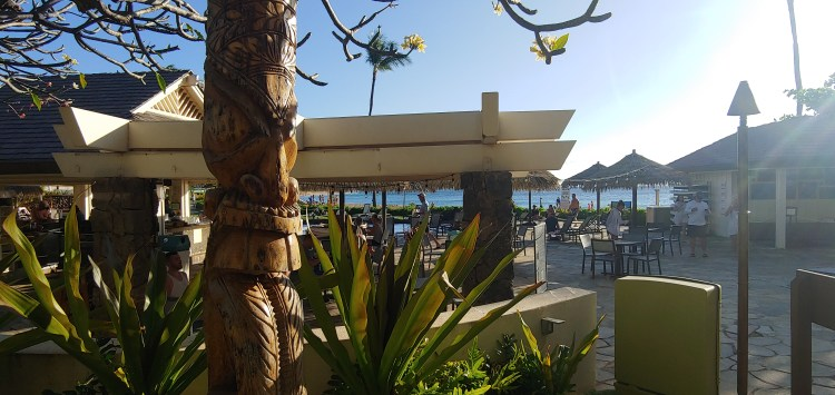 What is the happy hour at the Sheraton pool bar