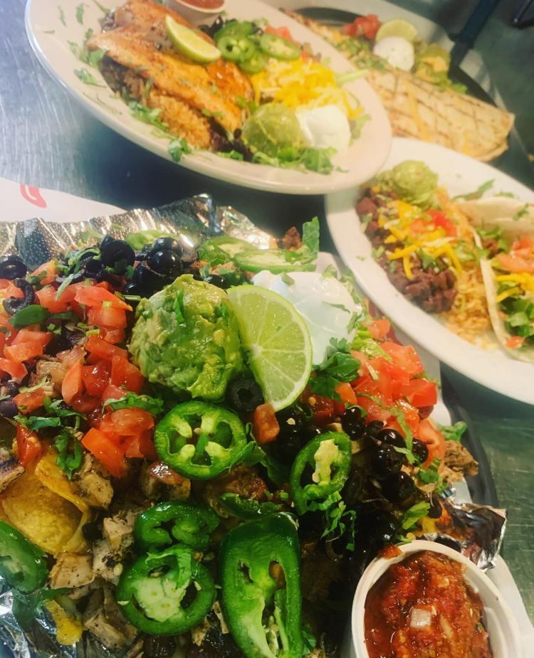 Happy hour nachos at Maui Mexican Restaurant Milagros Food Co