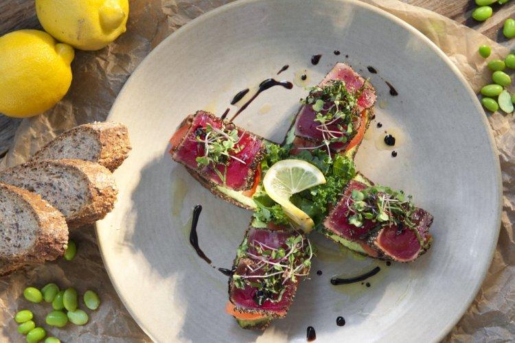 Honu Seafood and Pizza - Ahi Tuna Appetizer - Lahaina Hawaii