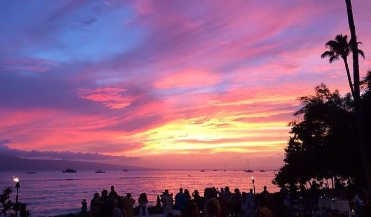 Beautiful Maui sunset view at Betty's Beach Cafe - Lahaina Maui restaurant