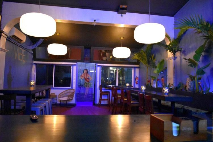 Vibe Bar Maui inside view
