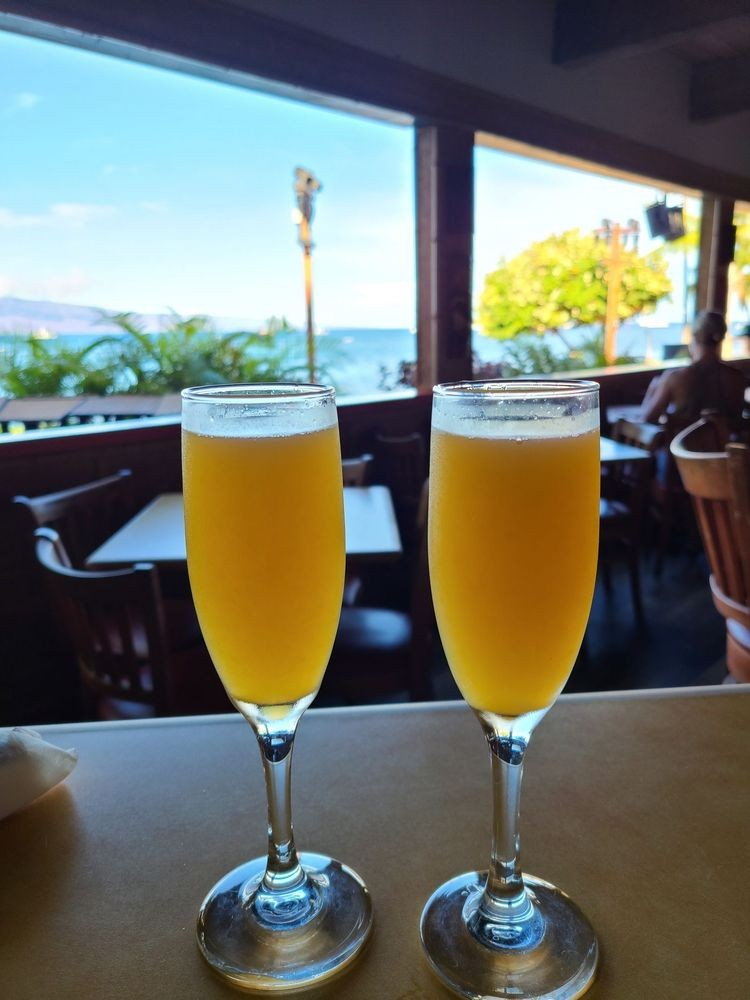 Happy Hour Mimosas - Lahaina Maui Hawaii