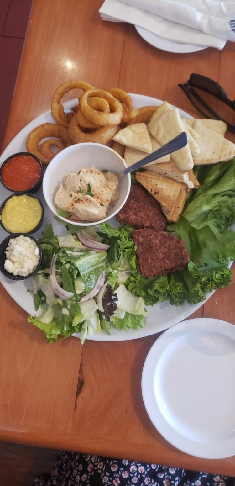 Happy hour sampler platter at Cafe Mambo Restaurant in Paia, Maui, Hawaii