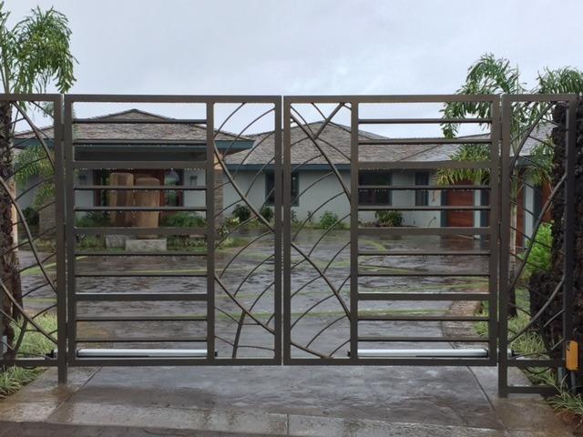 custom gate in ultra-bronze-hammertone finish