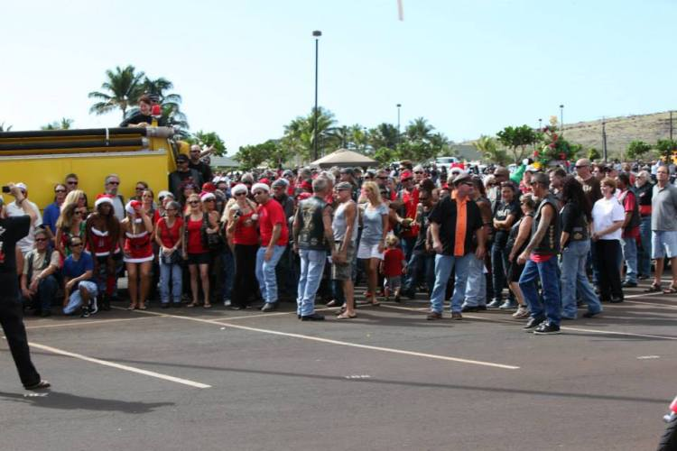 Group Photo 2013 Maui Toys for Tots Street Bikers United.