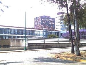 Facultad de Filosofía y Letras de la UNAM y Biblioteca Central fachadas Norte y Este