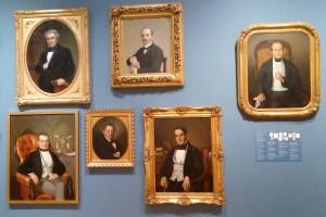 Ejemplos de retratos realizados durante el siglo XIX de caballeros que formaban parte de la política o vida intelectual de la época.