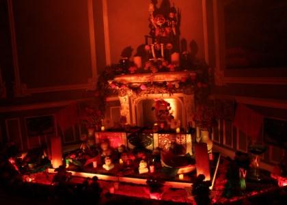 Altar de muertos en la Galería Casa Lamm