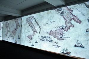 Caravaggio Experience muestra un conjunto de paisajes y mapas donde se muestra los escenarios que vio y conoció durante sus casi cuatro décadas de vida.