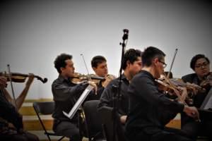 Musicos del Colectivo Musas Divus Trinus durante el recital para orquesta de cuerdas BarrocoN-Tempo