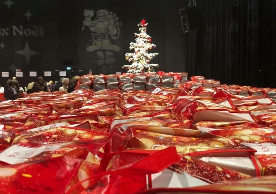 Esprit de Noël Remise des colis festifs
